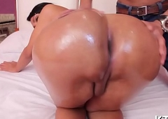 Candy botheration t-girl likes it hard