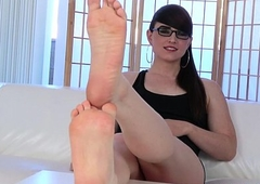 Spex footfetish trans flexing her limbs