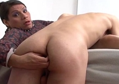 Dickblowing trannie gets her load of shit deepthroated also