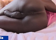 Black trans babe issuing pain in the neck before jerking