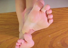 Shabby worshipping tranny carrying-on solo footsie