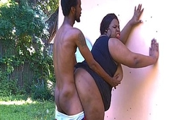 Big Shelady JuicyNikki likes be imparted to murder outdoors