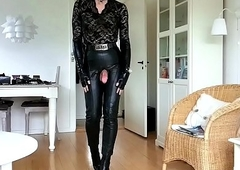 Sissy Sexy Tight Leather 01