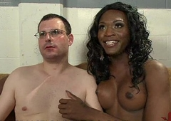 Black tranny examines and fingeres and copulates ass be proper of sickly guy in gyno stool